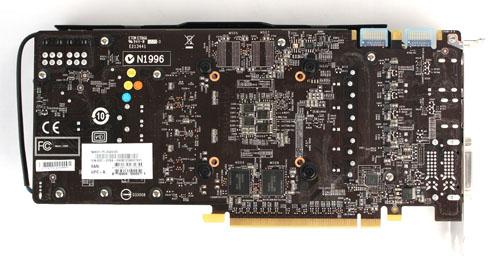 afbeelding van de binnenkant van de gtx 669 videokaart